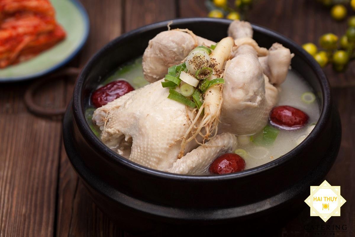 Công dụng khác của gà khi hầm với hoàng kỳ cho người tiểu đường là gì?