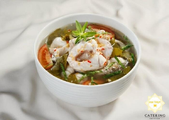 """Nấu """"canh chua cá he"""" giải nhiệt ngày nóng"""