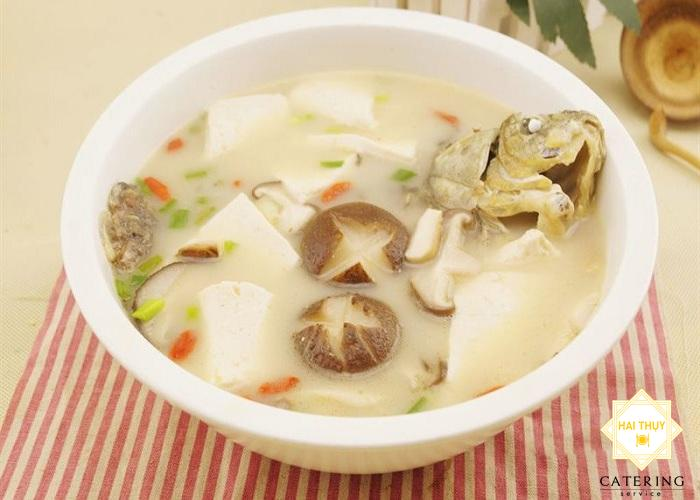 Canh đậu phụ cá chép món ăn dinh dưỡng cho mẹ bỉm sữa