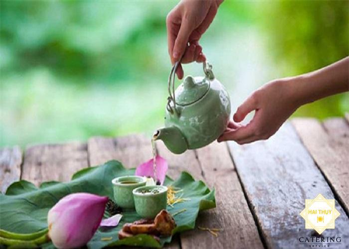 Công thức của trà sen cho người mỡ trong máu