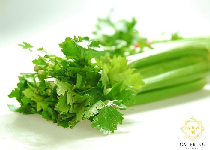 Cách nấu món rau cần xào nấm hương bổ dưỡng