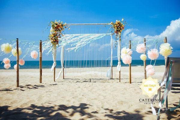 Bật mí 5 phong cách trang trí background tiệc cưới đẹp như mơ