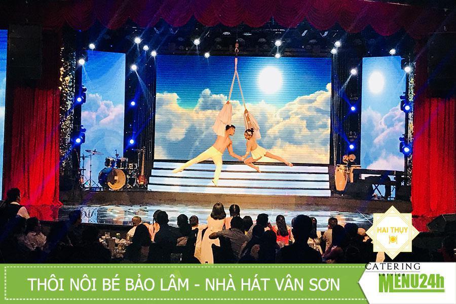 Tổ chức tiệc inside catering tại nhà hát The V Show - Vân Sơn Show