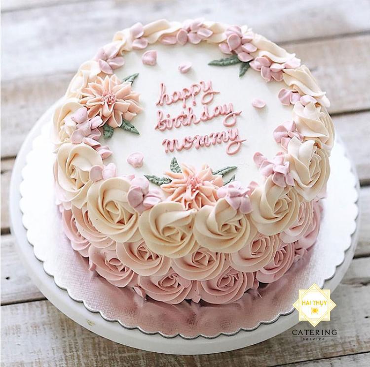 Xúc động với bữa tiệc mừng sinh nhật mẹ của con trai