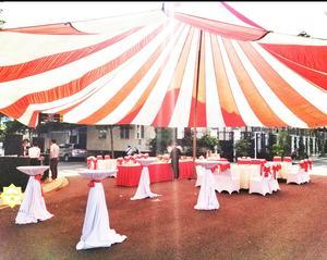 Không gian dùng tiệc rộng rãi mang đến sự thoải mái tuyệt đối dành cho khách mời