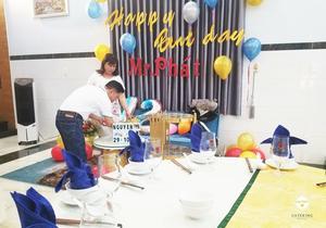 Cha mẹ Nguyên Phát cũng sốt sáng chuẩn bị tiệc sinh nhật cho con trai