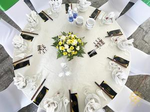 Setup bàn tiệc chuyên nghiệp
