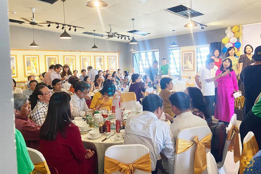 Ấm nồng tiệc liên hoan ngày hội ngộ 40 năm Đại học Y Dược Tp HCM
