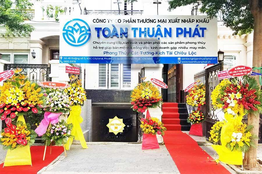 Tiệc buffet khai trương thành công rực rỡ của Công ty Toàn Thuận Phát